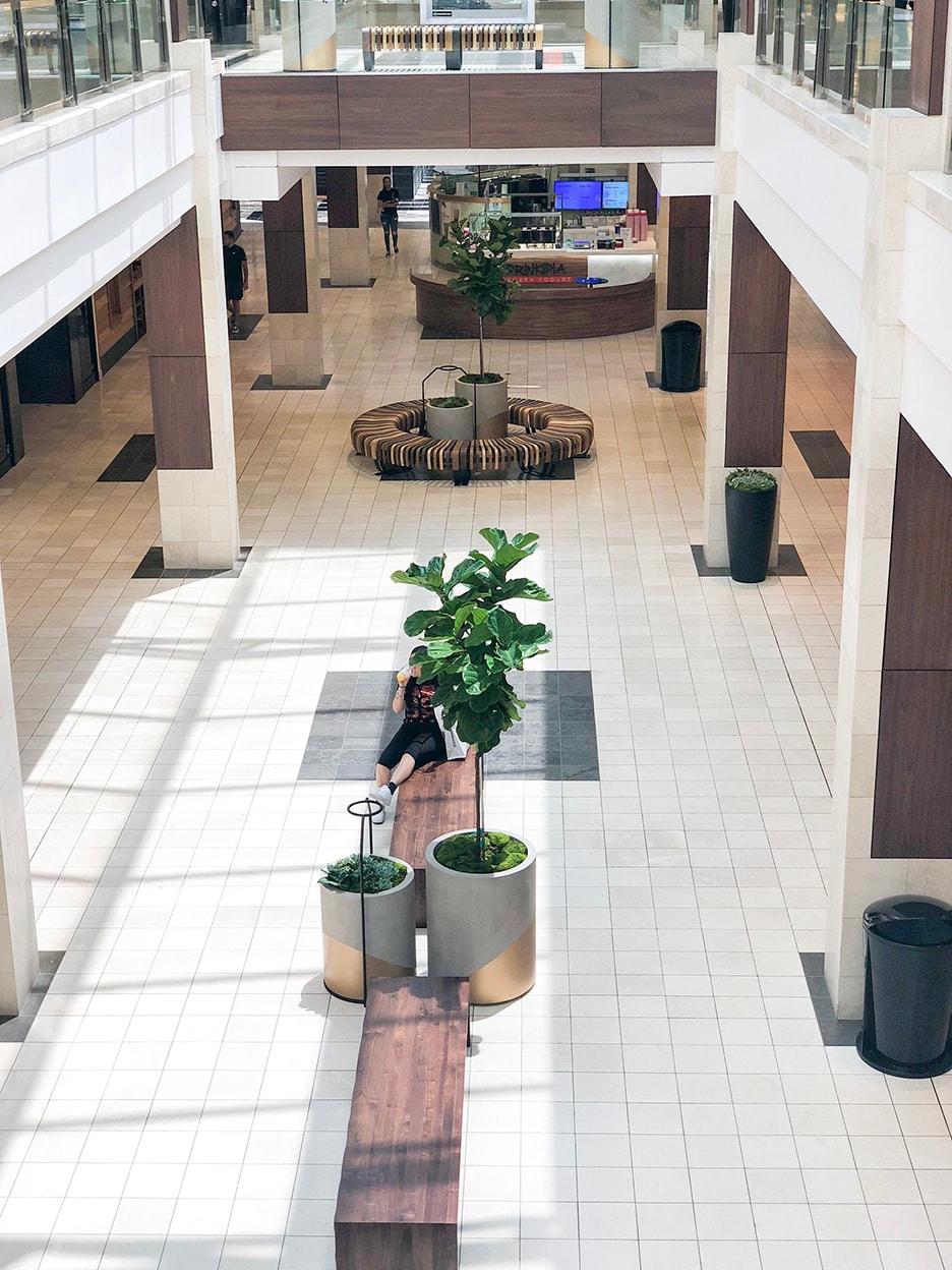 interior retail plant design